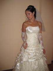 Продам свадебное платье,  цвет айвори
